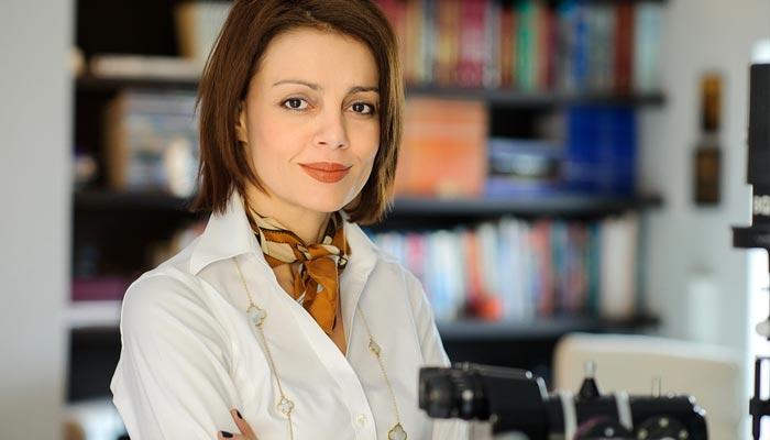 ΑΝΝΑ Δ. ΠΕΡΡΑΚΗ, MD, FEBophth Χειρούργος οφθαλμίατρος