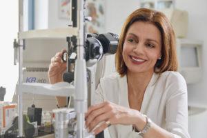 Άννα Περράκη - Χειρουργός Οφθαλμίατρος