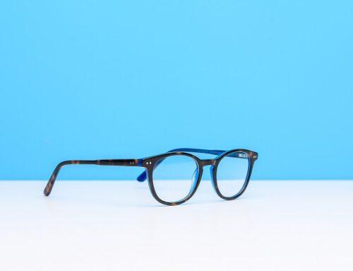 Είναι χρήσιμα τα γυαλιά που μπλοκάρουν την μπλε ακτινοβολία;